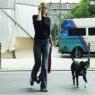 Frau mit Hund 1
